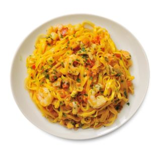 ready meal frozen Italian Tagliolini, smoked salmon sauce, tomato sauce, chili pepper, peeled shrimps, tomato